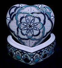servin stoneware heart box